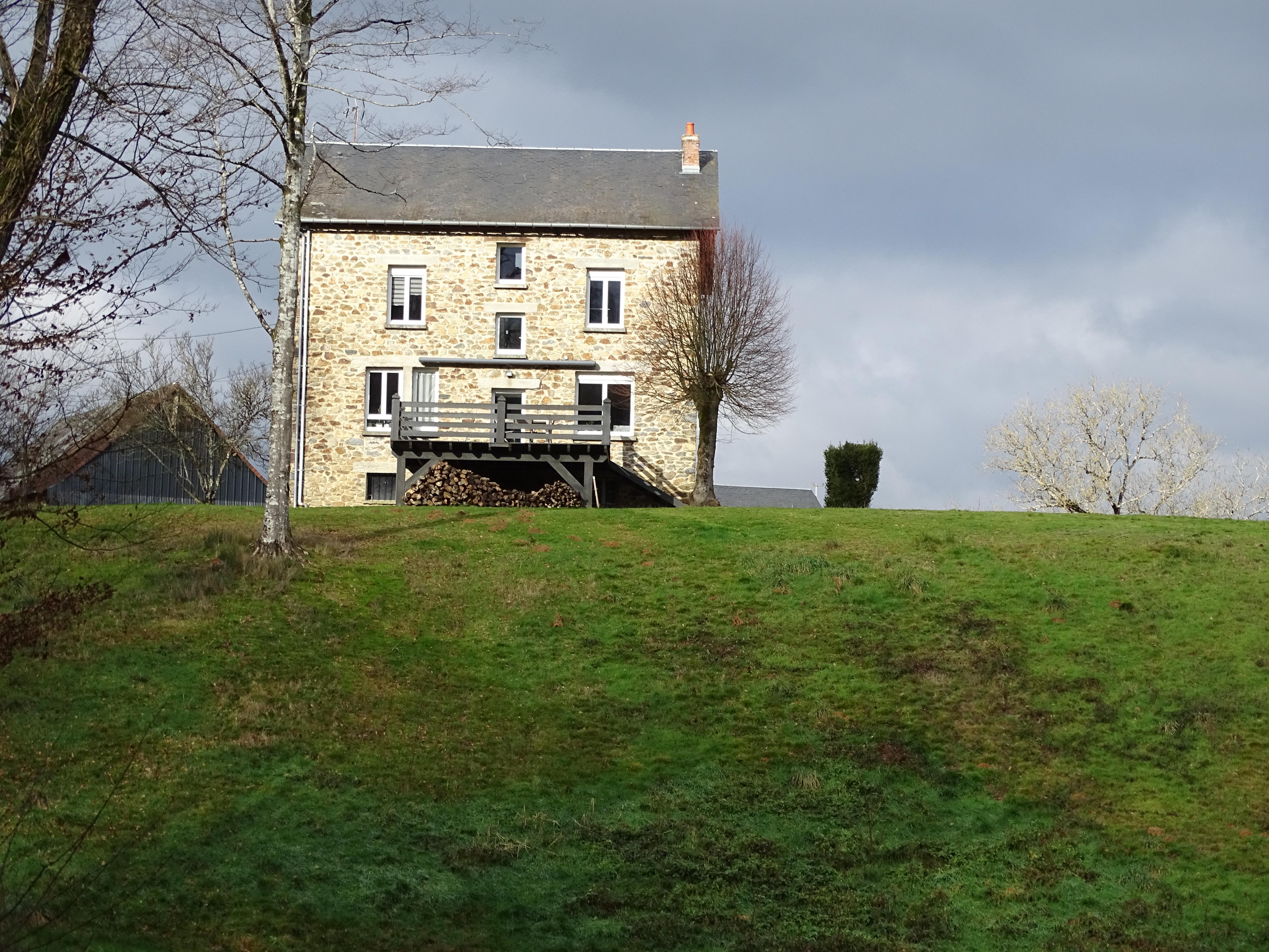 Stone house in La Roche
