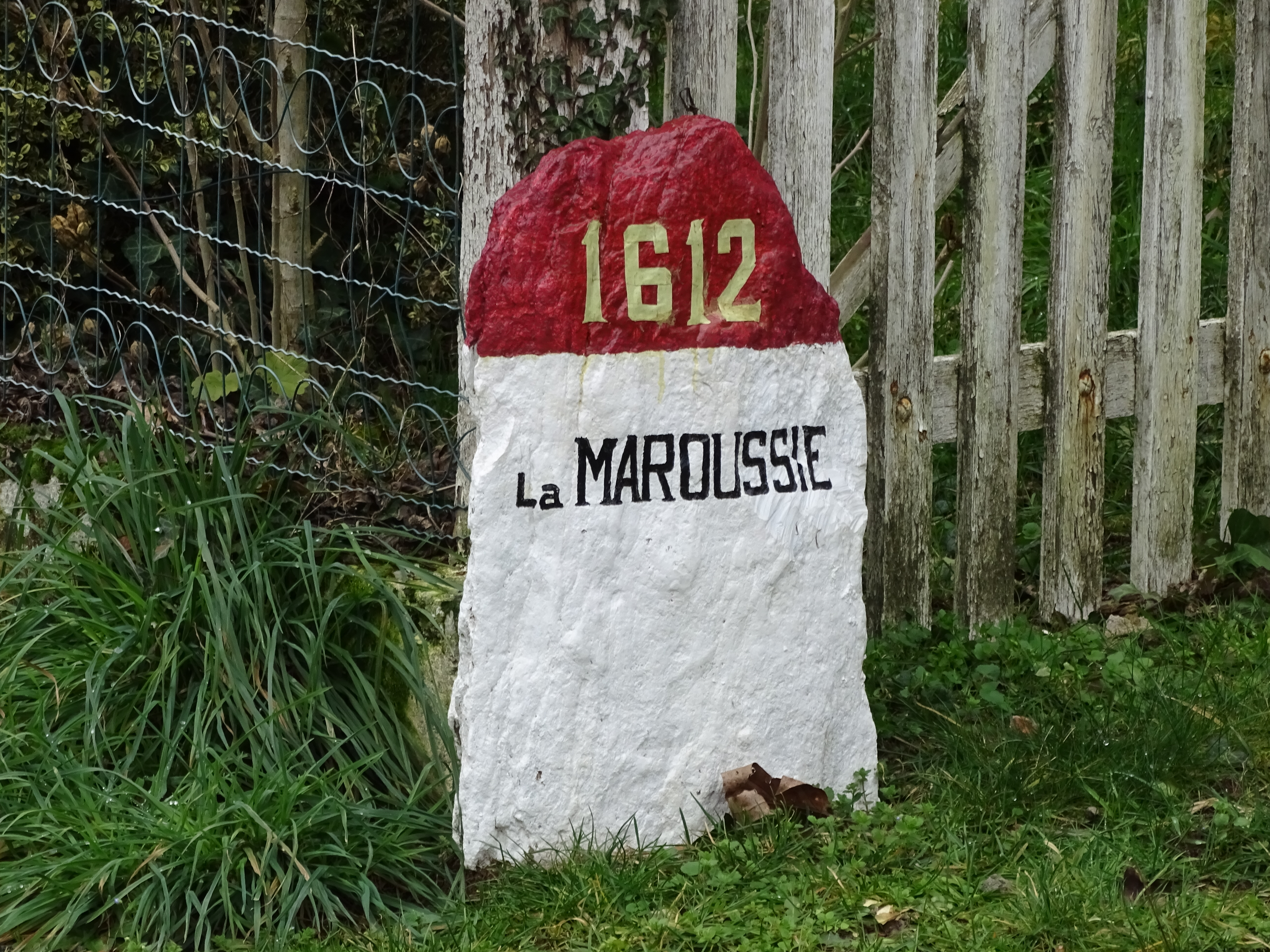 Stone with place name painted on